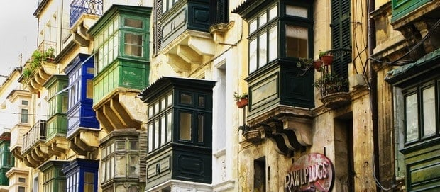 se loger à Malte et Gozo - immeuble maltais