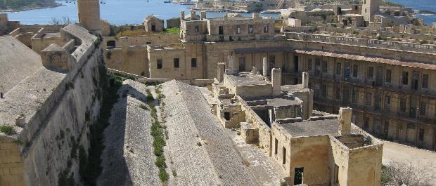 Fort Saint-Elme  un site historique d'exception à La Valette visiter malte